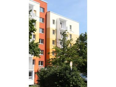 Wir haben Am Katzenberg 1 seniorengerecht umgebaut und bieten 1-, 1,5- und 2-Raum-Wohnungen mit Balk...