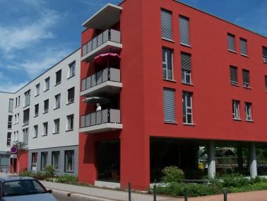 Standort:  Die Einrichtung liegt in einer ruhigen Nebenstraße südwestlich Leipzigs, eine ...