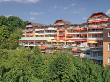 Der 1984 eröffnete Rosenhof Kronberg besticht durch seine tolle Lage mit Blick auf den Taunus u...