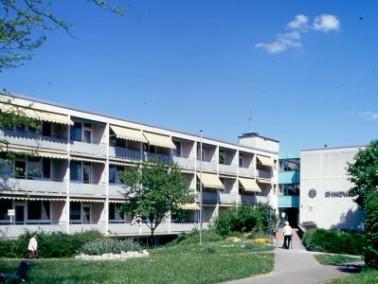 Das Altenzentrum St. Hedwig befindet sich im Zentrum Kirchheims. Die Nähe zur katholischen Kirc...