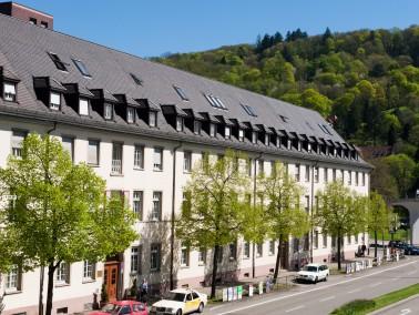 MDK-Prüfung: 1,5        Besondere Angebote:      Mitten im Herzen von Freiburg mit guter Ve...