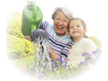 Ihre zukünftige Pflegekraft unterstützt Sie im persönlichen Bereich und leistet Hilfe...