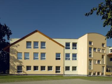 Das PHÖNIX Haus Eichenhof in Sassenburg ist ein modernes Haus, das erst im Juni 2012 eröff...