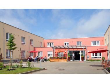 Das PHÖNIX Haus Am Teichberg befindet sich am Rande der malerischen Fachwerkstadt Wolfhagen mit...