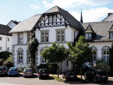 Die Seniorenresidenz Erikaneum liegt im beliebten Gesundheits- und Erholungsort Olsberg-Bigge mitten...
