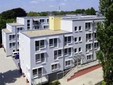 Das Sentivo Seniorenzentrum Am Kirschbaumer Hof liegt inmitten der wunderschönen Stadt Solingen...