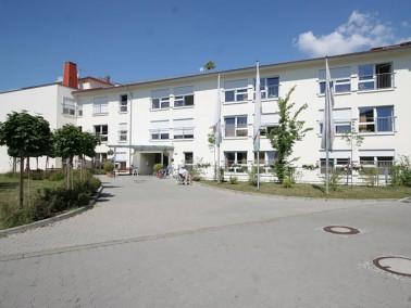 Eine familiäre Herzlichkeit und qualifizierte, kompetente Pflege – dafür steht das PHÖNIX Haus Ulmen...