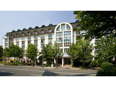 Im Frankfurter Stadtteil Sachsenhausen und unweit vom Stadtwald entfernt, liegt zurückgezogen v...