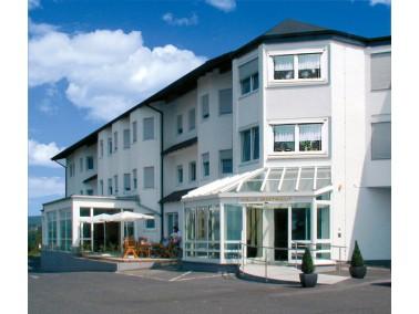 Ihr neues Zuhause im Westerwald    Von der gemütlichen Terrasse des Helvita Seniorenzentrums I...