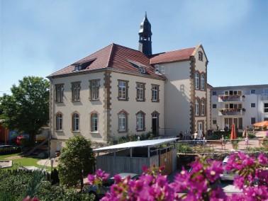 """Ein neues Zuhause mit viel Kinderlachen    Das Helvita Seniorenzentrum """"Haus der Generationen..."""