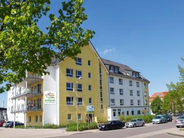 Das evergreen Pflege- und Betreuungszentrum Bergneustadt bietet Erholung im Grünen und eine ent...