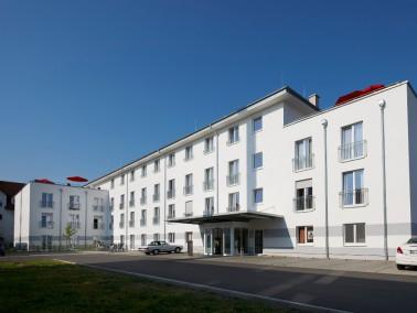 Ländliche Idylle an der Deutschen Weinstraße finden die Senioren, die im CURANUM Senioren...