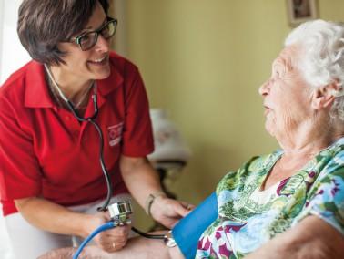 Altenpfleger und Altenpflegehelfer (m/w) gesucht