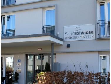 Das Seniorenwohnzentrum Stumpfwiese bietet Platz für 89 Pflegeplätze, welche sich übe...