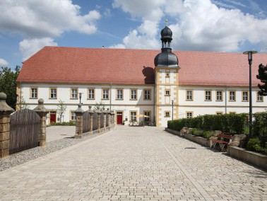 Das spätbarocke Gebäude des Seniorenzentrums gehört zu den bedeutendsten Bauwerken de...