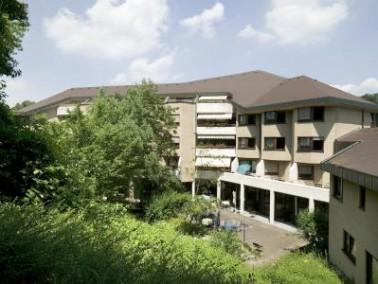 Das Seniorenzentrum St. Lukas liegt im unteren Stadtteil von Wernau und bietet durch die zentrale La...