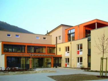 Am Fuß der Schwäbischen Alb, inmitten der Gemeinde Deggingen, befindet sich das Seniorenzentrum St. ...