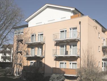 Die CURANUM Seniorenresidenz Scheffelhof befindet sich zentral in der Innenstadt von Bad Dürrhe...