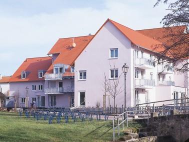 Die CURANUM Seniorenresidenz Tuchmachergasse ist sehr idyllisch in der bayerischen Kleinstadt Herzog...