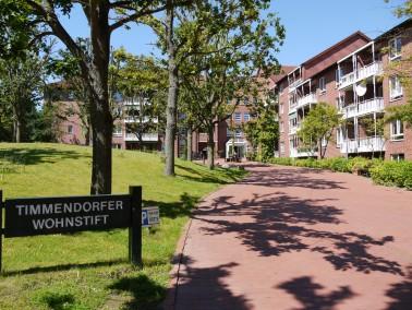 Das CURANUM Seniorenstift Timmendorfer Strand hat 110 Appartements und 60 vollstationäre Pflege...