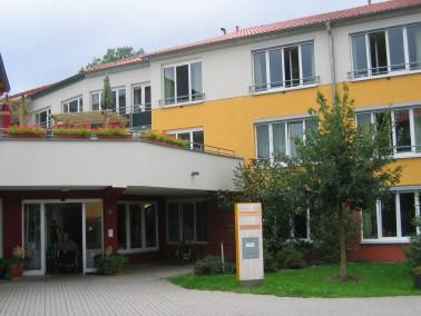 Das PHÖNIX Haus Gründlach liegt am südlichen Rand von Heroldsberg. Die Bewohner genie...