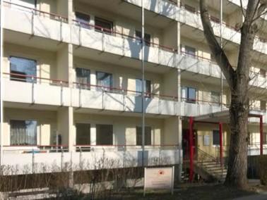 Im Seniorenwohnhaus Am Tierpark gibt es 150 Ein- und Zweizimmerwohnungen, jeweils mit Küche und...