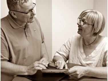 Sie suchen einen Platz in einer ( Senioren ) Wohngemeinschaft, wir haben diesen für SIE !...