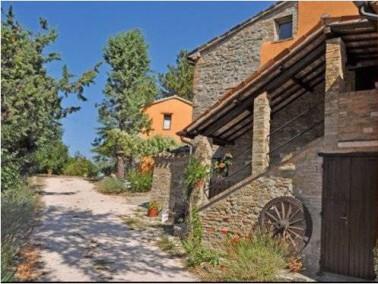 Ca' Piero ,ist ein mittelalterlicher Dorfweiler (ital. Borgo) aus dem 14. Jahrhundert. Charakt...