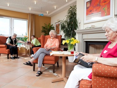 Lage der K&S Seniorenresidenz Buxtehude     Die behaglich eingerichtete Seniorenresidenz liegt r...