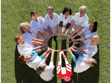Im Alter und bei Krankheit zuhause gut und sicher leben: Dabei unterstützt Sie die Caritas Sozi...