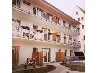 Unsere betreute Wohnanlage befindet sich in hervorragender Lage im Stadtzentrum von Freiberg. In den...