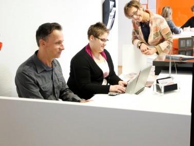 Durch unser innovatives Mitarbeiterkonzept haben wir in unseren Einzugsgebieten in der Regel Aufnahm...