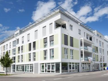 Das Wohn- und Pflegezentrum Flugfeld vereint Betreutes Wohnen, stationäre Wohngemeinschaften (P...
