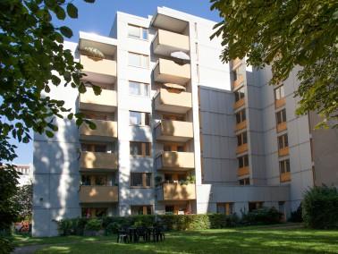 Die Umgebung    Das Seniorenwohnhaus Schillerstraße liegt zwei Parallelstraßen vom Schw...