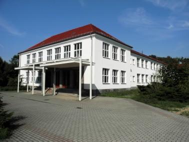 Direkt im Park des bekannten Barockschlosses, errichtet auf den Grundmauern des »Neuen Palais&...
