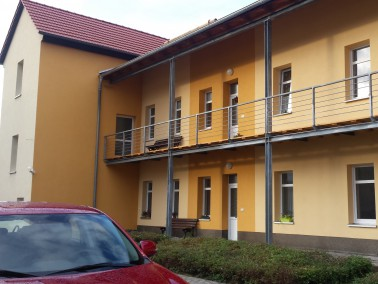 15 altersgerechte 1- und 2 Raumwohnungen auf 3 Etagen in ruhiger Wohnlage, Treppenlift vorhanden....