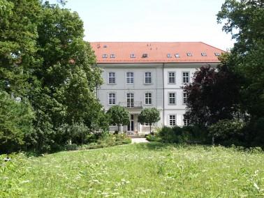 Die Wohnanlage Schloss Messelhausen verbindet altersgerechtes Wohnen mit dem einzigartigen Ambiente ...