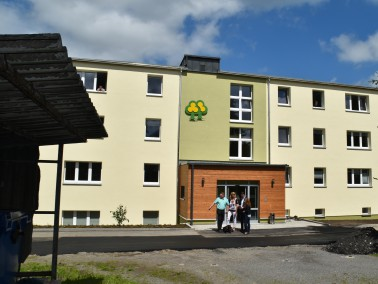 In der  Sozialtherapeutischen Wohnstätte Neuhausen  finden 32 Bewohner ein betreutes Zuhause. D...