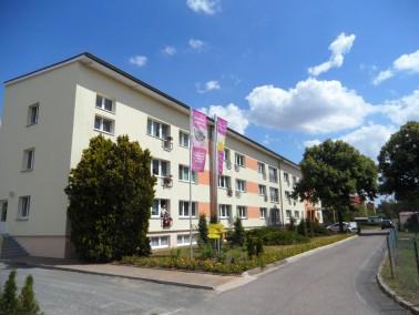 Das Seniorenzentrum liegt im ruhigen Wohngebiet Eilenburg Ost und ist umgeben von einem parkähn...