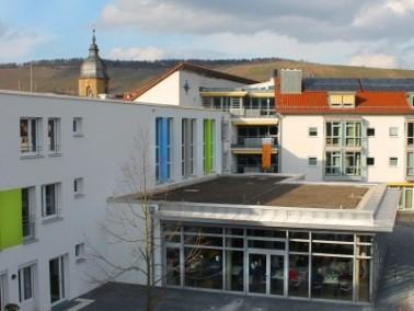Direkt an der Rems in Weinstadt liegt das Wohn- und Pflegeheim Wilhelmine-Canz-Zentrum. Die Einricht...