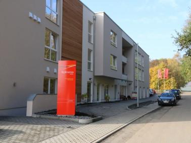 Das Kursana Domizil befindet sich im Ortsteil Nieder-Ohmen, angrenzend an ein ruhiges Wohngebiet mit...