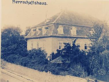 Geschichtliches :     Das Rittergut , bekannt als das Troch´sche Rittergut erwarb am 9.10.187...