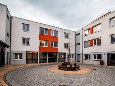 Das Pflegewohnhaus Wittumhof der Evangelischen Heimstiftung liegt in Neckarweihingen nordöstlic...