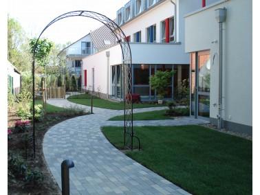 Lage & Umgebung    Das Seniorenhaus B  eekepark liegt mitten im Herzen von Schee&sz...