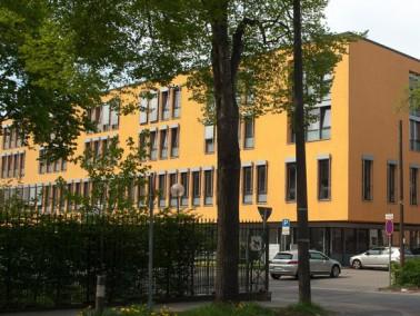 Lage & Umgebung    Direkt neben dem Klinikum Bremen Mitte befindet sich unser Seniorenhaus mit ...