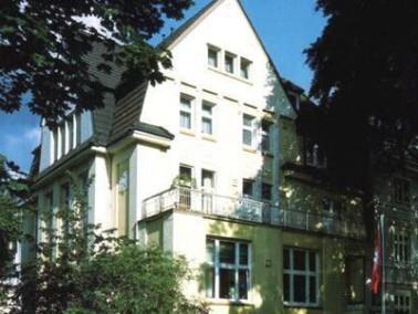 In der Seniorenresidenz Uhlenhorst fühlen sich die Bewohner nicht wie in einem Pflegeheim, sondern w...