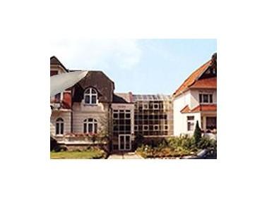 Anfang der 80er Jahre wurde der Betrieb in der Villa Eilersweg aufgenommen durch die Vorbetreiber. Z...