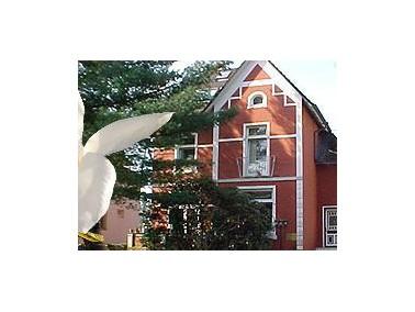 Das Alten und Pflegeheim Kinne wurde im Jahre 1965 durch Frau Renate Kinne in Friedrichs-Garbe gegr&...