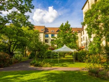 Die Alloheim Senioren-Residenz liegt im Berliner Stadtbezirk Tempelhof-Schöneberg in der nameng...