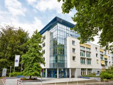 Das Wohnstift Auf der Kronenburg bietet exklusives Wohnen für Senioren im südlichen Teil d...